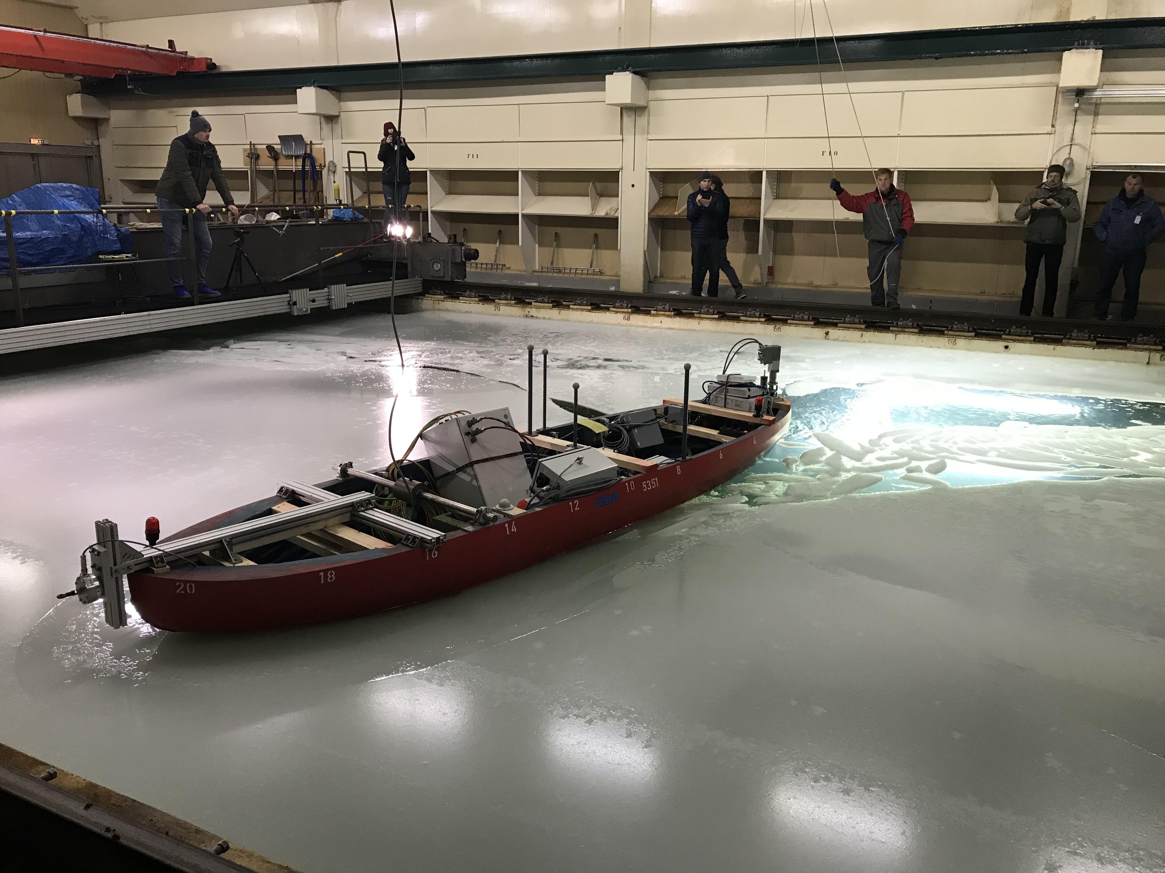próby modeli lodołamaczy