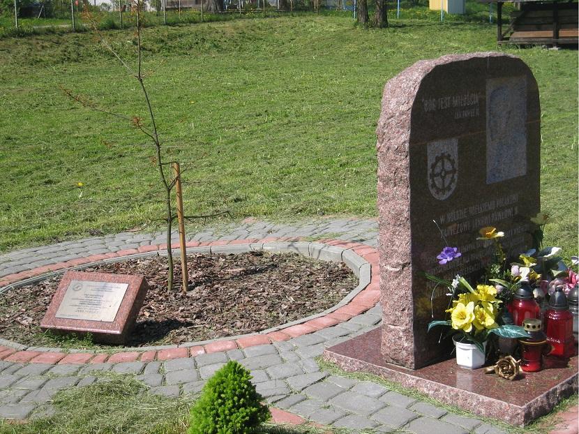 pomnik milomlyn